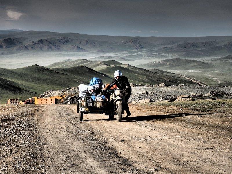 jawa_kolem_sveta_mongolsko