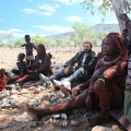 Namibie, cesta opuwo-sesfontein, domorodce kmene Himbu