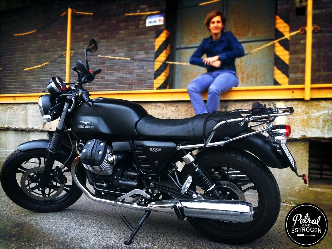 Helena Moto Guzzi (zdroj Petrol & Estrogen)