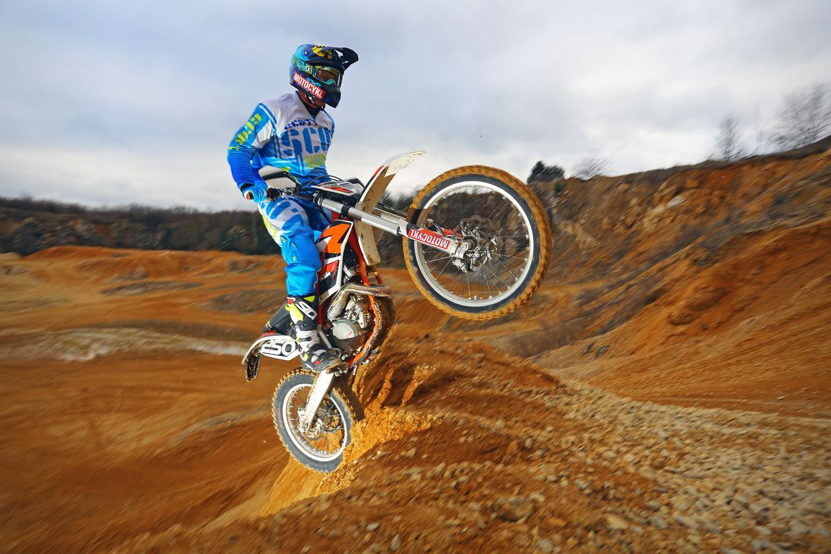 http://www.kolamadolu.cz/wp-content/uploads/2014/05/Motocykl-Martin-Tomanek-4O4A7280.jpg