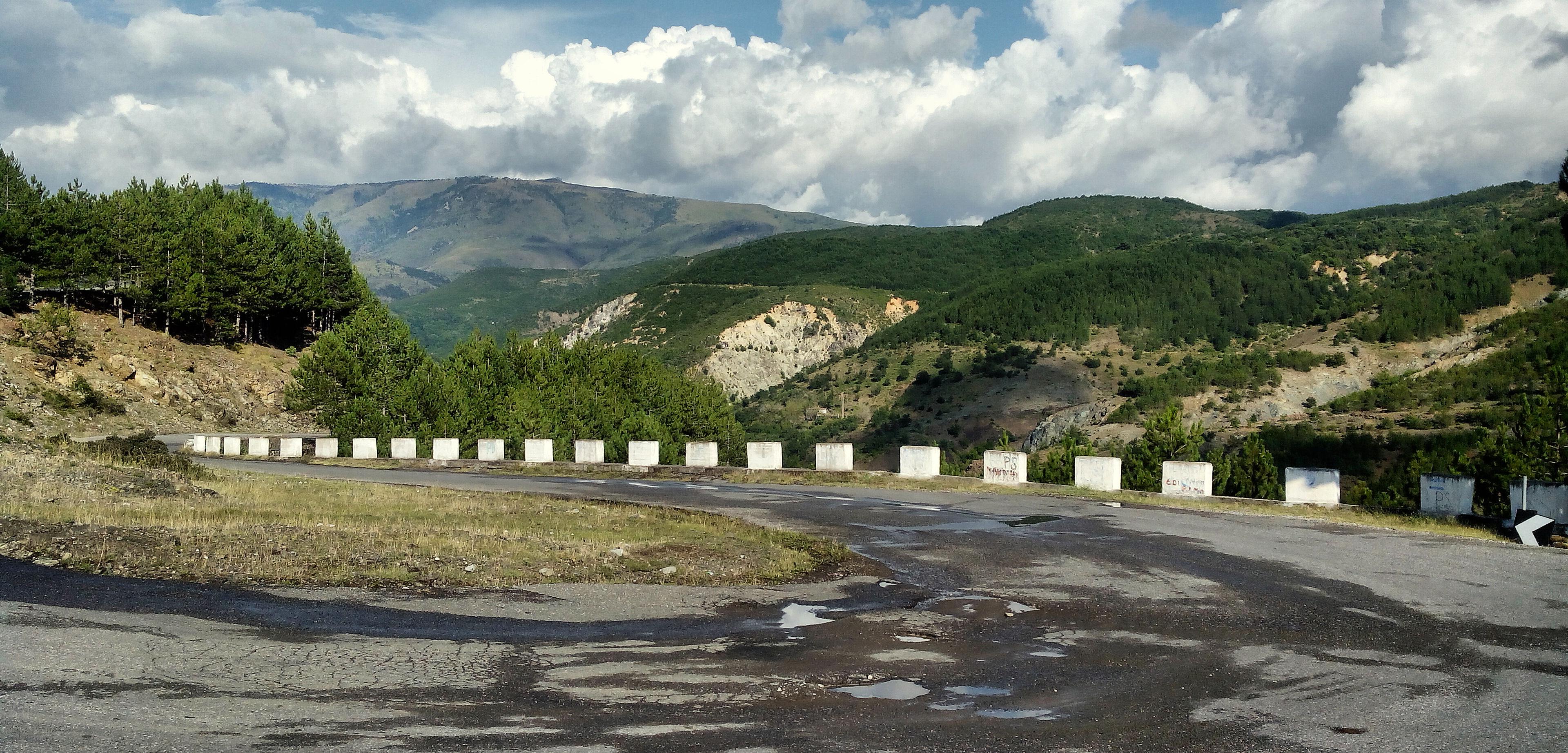 Balkán - cestování na motorce, Kolama dolu