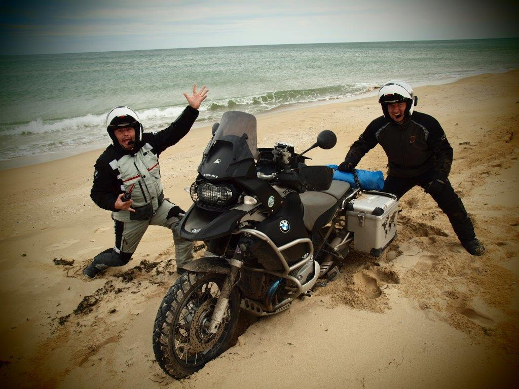 Motorkáři v Turecku kolama dolu
