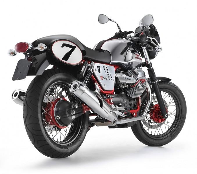 motocykly-moto-guzzi-v7-racer_1
